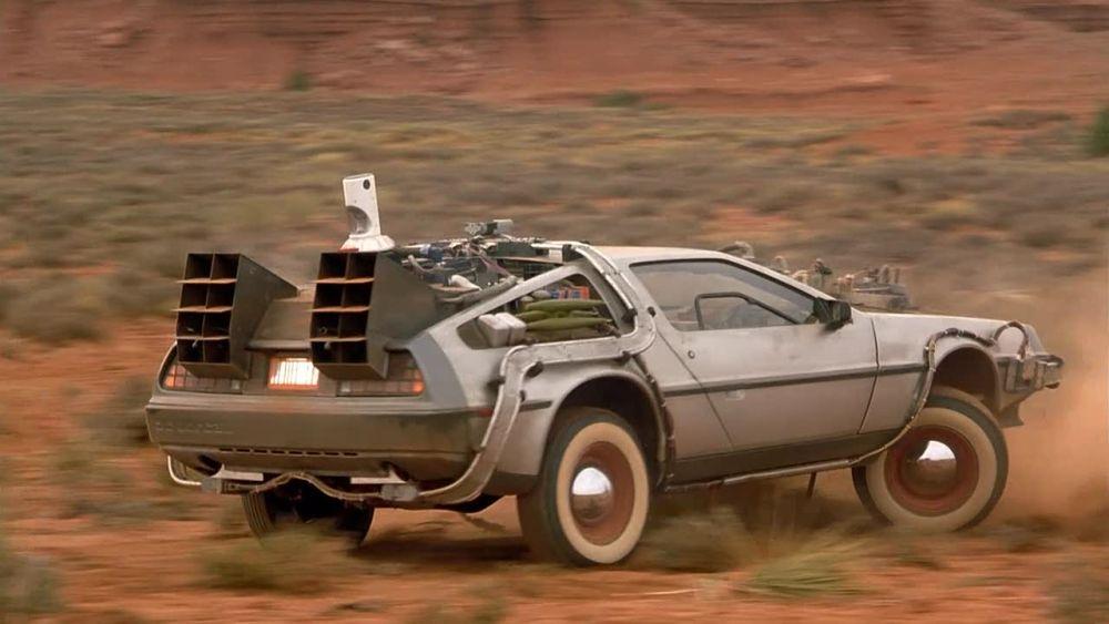 Back-to-the-Future-Car-Delorean-DMC12-19
